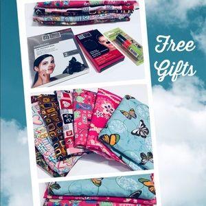 Scrub Lot 7 Women XL&L Love Faith Free Ty Gift